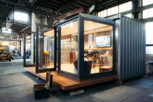 Container mit individuellen Einbauten